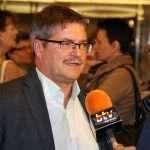 Auch das Regionalfernsehen war vor Ort und interviewte die Vortragenden. Hier: Viktor Wette.